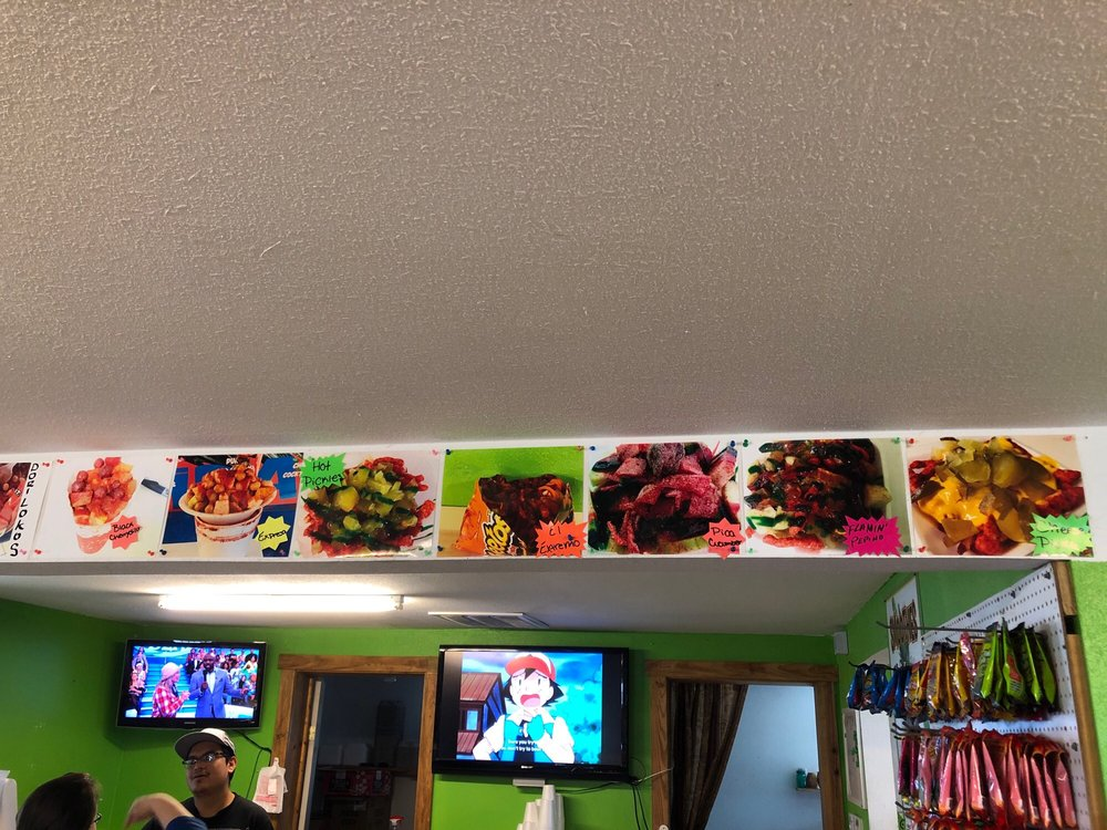 Elanas Fun Foods: 201 State Hwy 132 N, Devine, TX