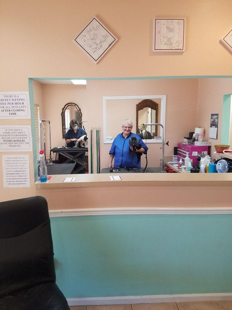 Carla's Grooming: 1209 Blanding Blvd, Orange Park, FL