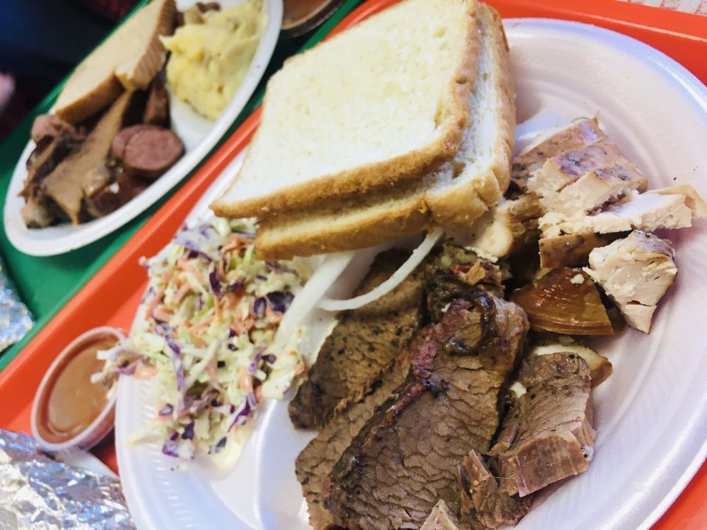 Holy Smokes BBQ: 2704 A Commerce St, Marble Falls, TX