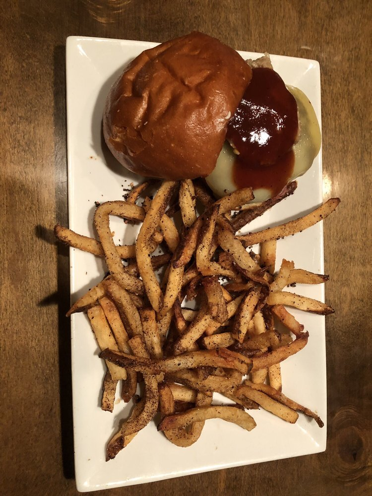80/20 Burger Bar: 123 W 21st St, Norfolk, VA