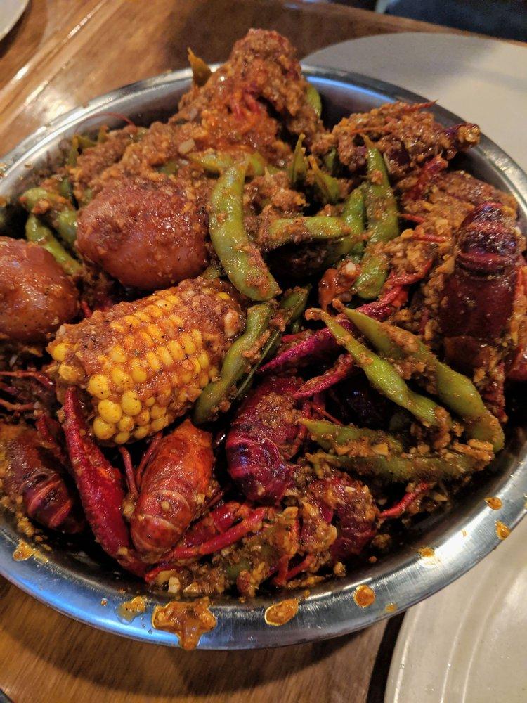 Reel Seafood & Wings: 5425 Hwy 6, Missouri City, TX