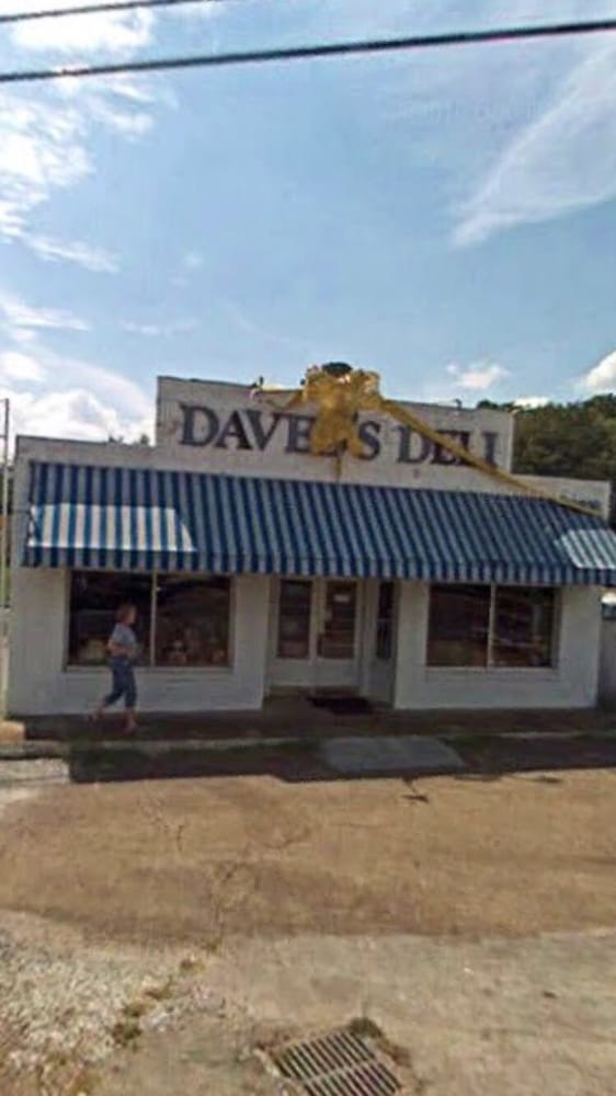 Daved's Deli: 7639 Middle Valley Rd, Hixson, TN
