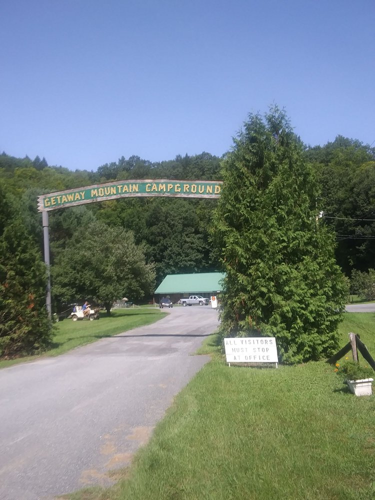 Getaway Mountain & Campground: 3628 Rt 5 S, Ascutney, VT