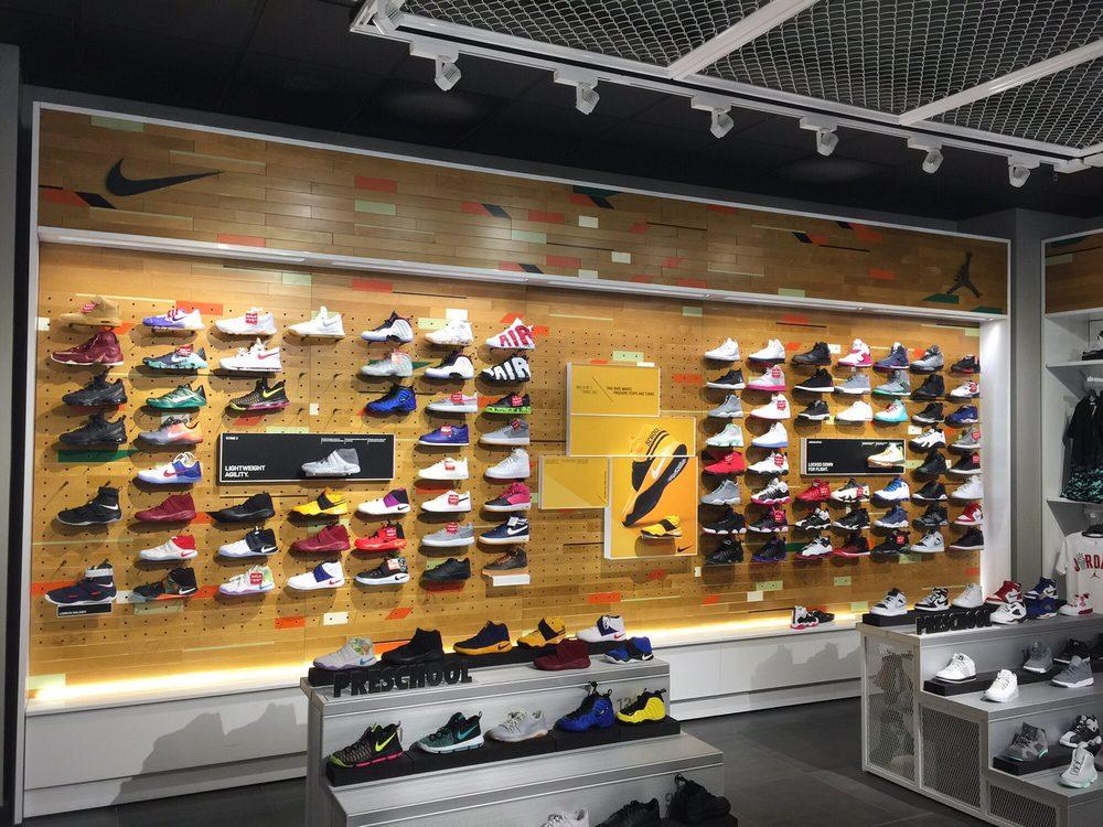 4a6ed14e6 Kids Foot Locker - 10 Reviews - Shoe Stores - 440 Hillsdale Shopping ...