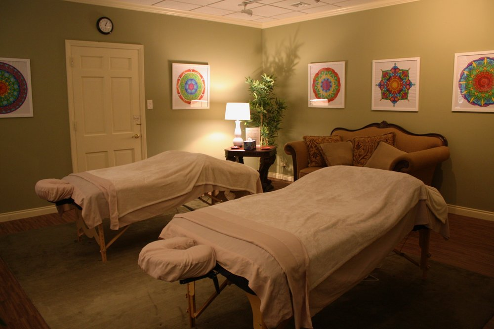 Breckels Massage Therapy: 16610 Mack Ave, Grosse Pointe Park, MI