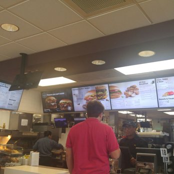 Mcdonalds 44 Photos 53 Reviews Fast Food 43250 Defender Dr