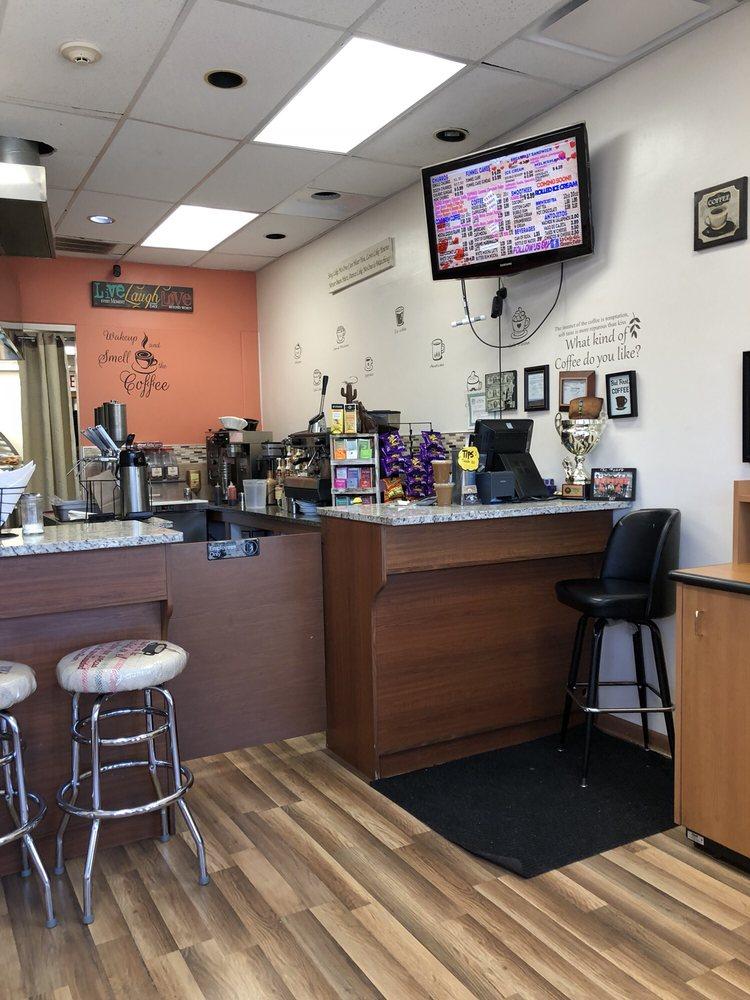La Casa del Churro Cafe: 102 N 19th Ave, Melrose Park, IL