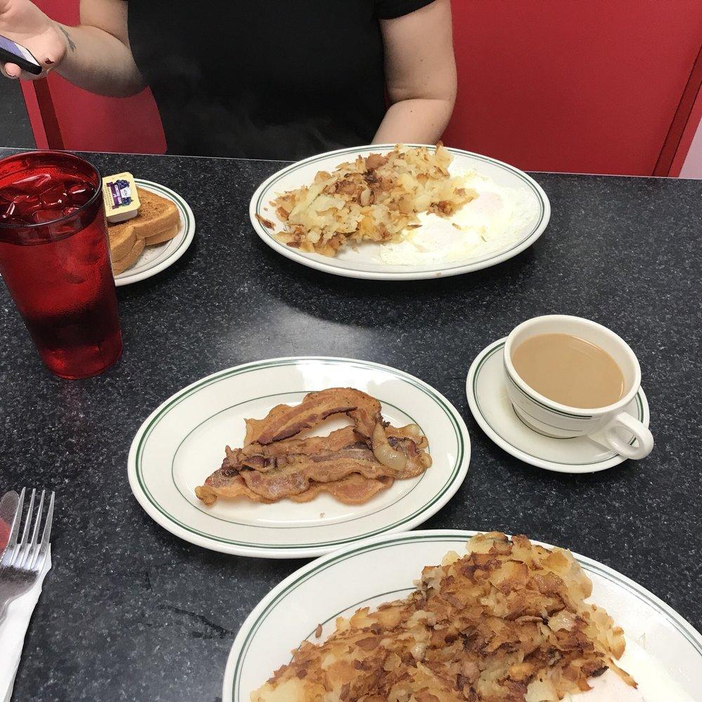 Ernie's Texas Lunch: 58 Chambersburg St, Gettysburg, PA