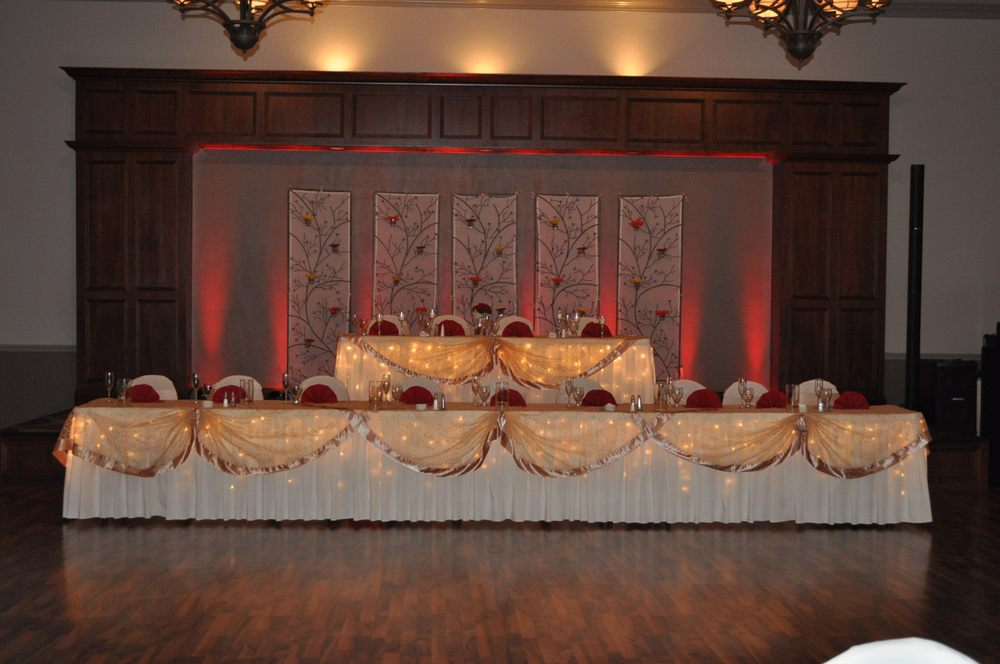 Ahern Catering and Banquet Center: 726 Avon Belden Rd, Avon Lake, OH