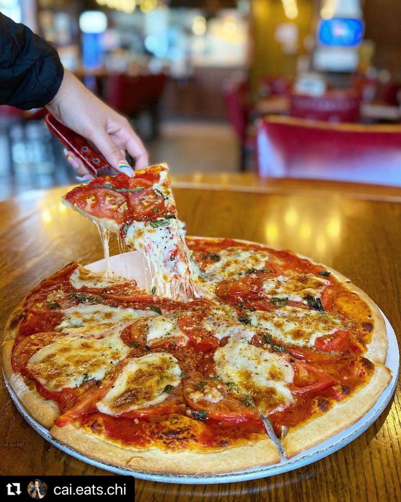 Brama La Pizza: 34 S Prospect Ave, Clarendon Hills, IL