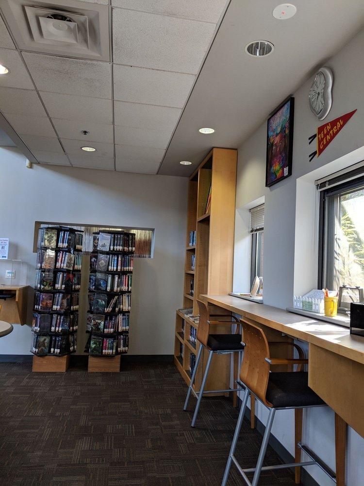 Monroe Township Public Library: 4 Municipal Plz, Monroe Township, NJ