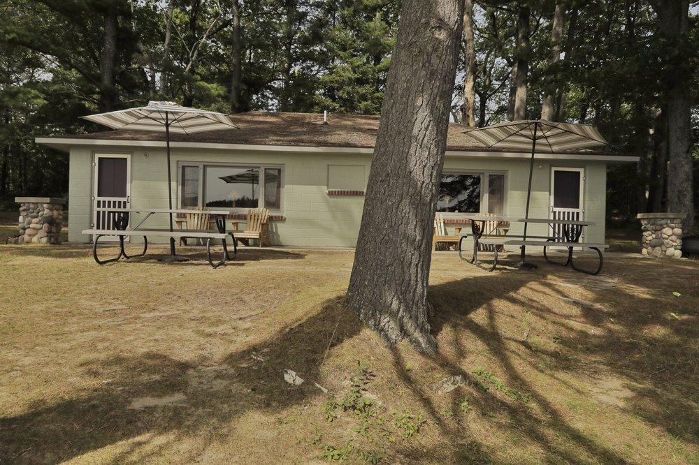 Nettiebay Lodge: 9011 W County Highway 638, Hawks, MI
