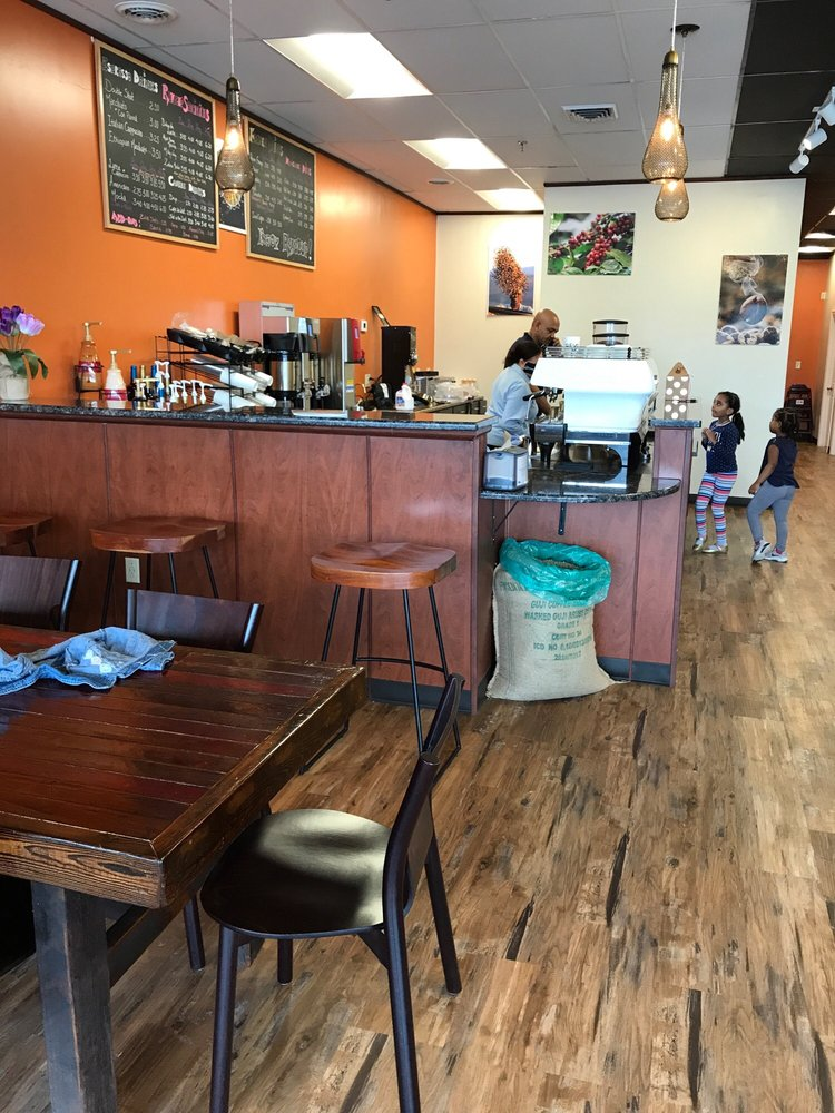 Revocup Coffee: 12670 Dorsett Rd, Maryland Heights, MO