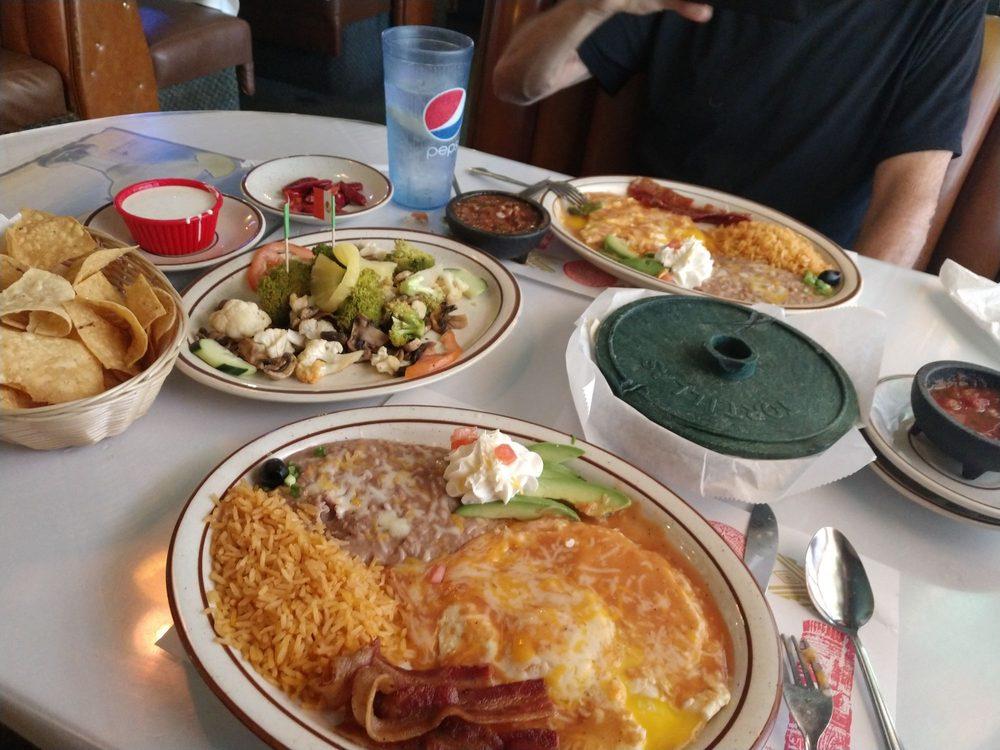 Domingo's Mexican & Seafood Restaurant: 27075 Twenty Mule Team Rd, Boron, CA