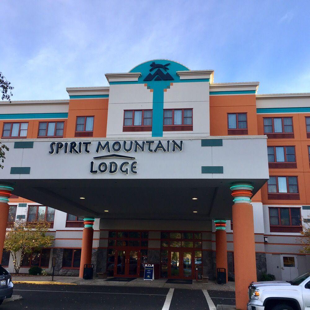 Spirit Mountain Lodge: 27100 Salmon River Hwy, Grand Ronde, OR