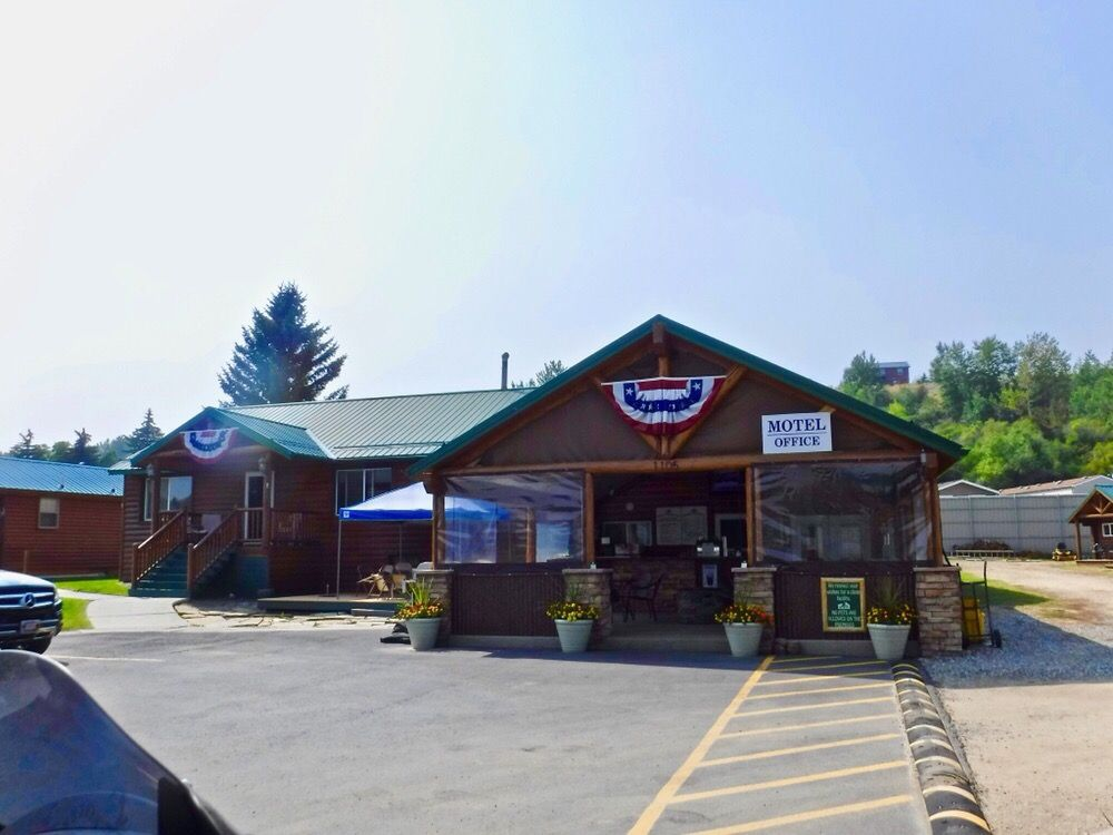 Alpine Lodge: 1105 N Broadway Ave, Red Lodge, MT