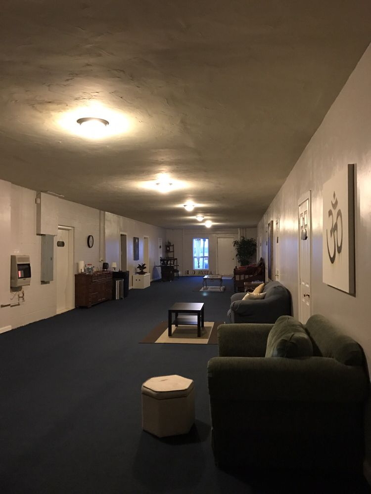 Siddhayatan Spiritual Retreat Center: 9985 E Hwy 56, Windom, TX