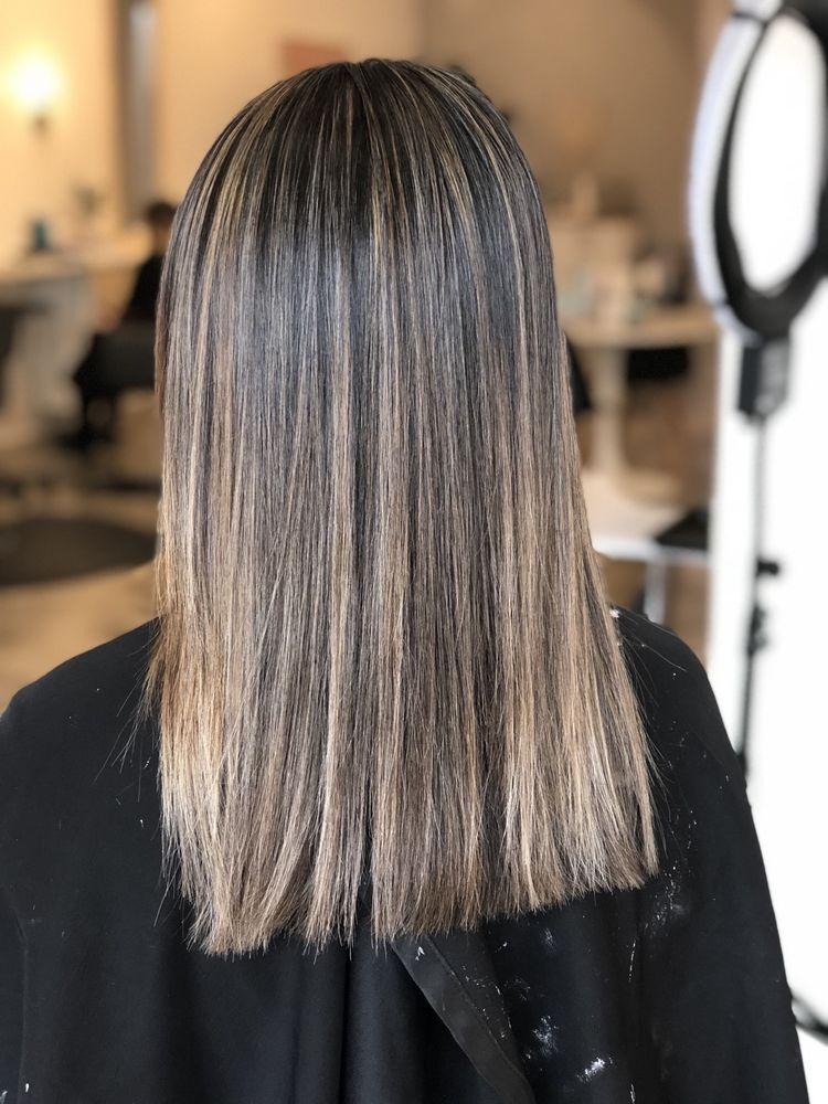 Max & Ro Hair Co.: 1117 Edgewater St NW, Salem, OR