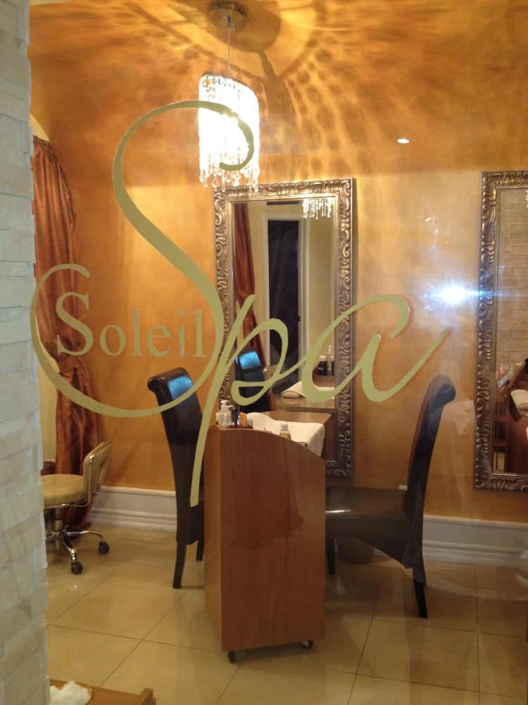 Soleil tanning spa 10 reviews tanning 239 yonge for Soleil tanning salon
