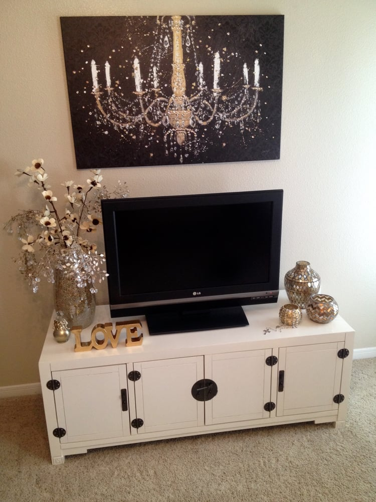 Tv Standall Vases Blingy Leaves In Vase Yelp - Pier 1 tv console table