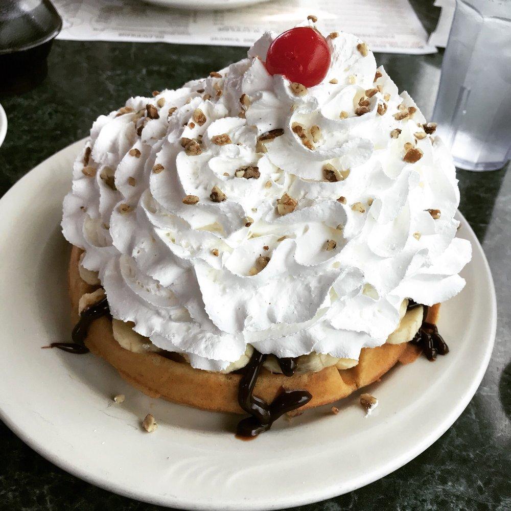 Mr. Pancake: 1405 Wisconsin Dells Pkwy, Wisconsin Dells, WI