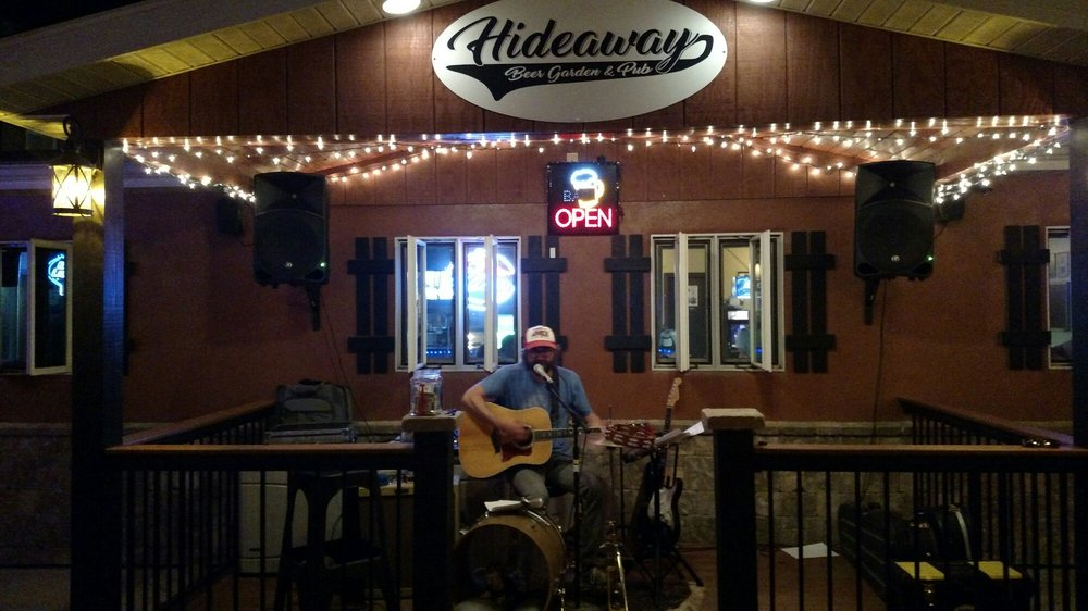 Hideaway Beer Garden and Pub: 113 1/2 N Court St, Fairfield, IA