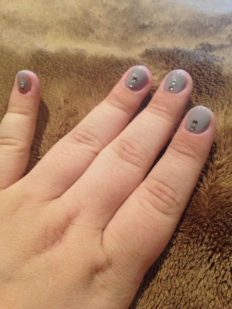 Gel Manicure For Short Nails- HireAbility