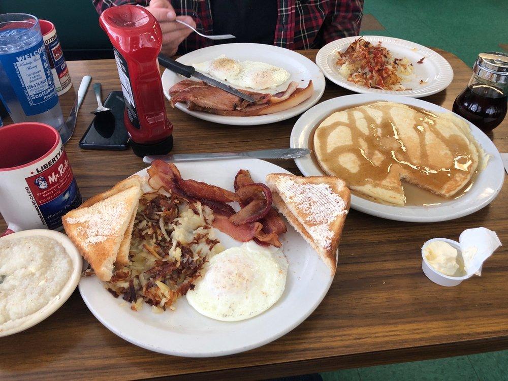 Liberty Restaurant: 907 E Willow St, Scottsboro, AL