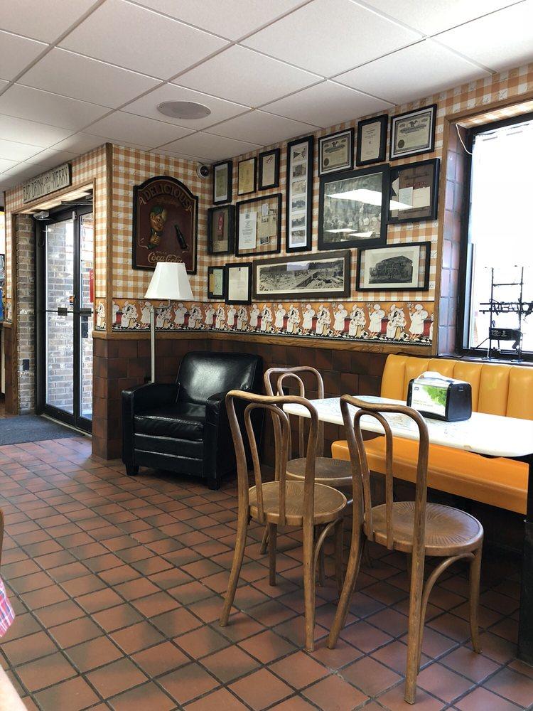 Mill City Dairy Bar: 1622 Sr 307, Near Lake Winola, PA