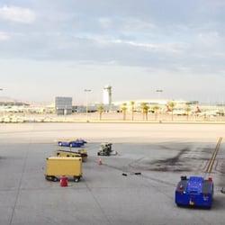 'Photo of McCarran International Airport - Las Vegas, NV, United States' from the web at 'https://s3-media2.fl.yelpcdn.com/bphoto/rhv_vxZYm9kgZvpfIBQP1g/ls.jpg'