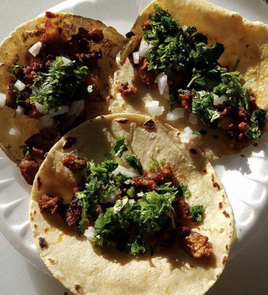 Kiko's Tacos: 604 Yakima Valley Hwy, Sunnyside, WA