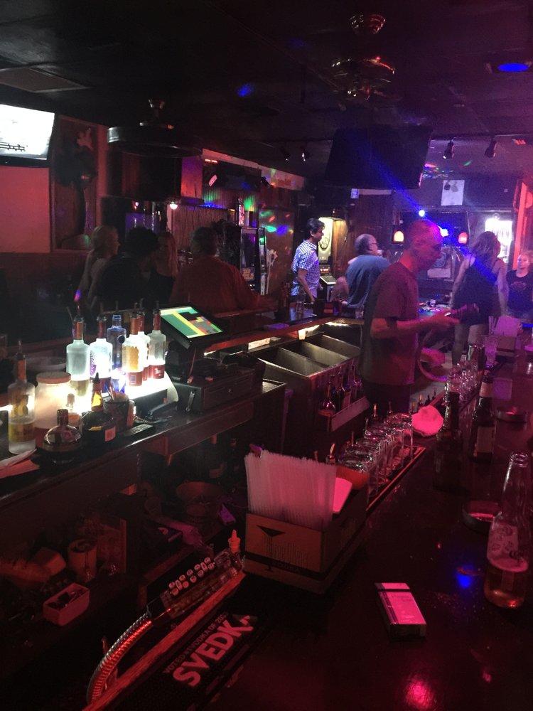 Singers Karaoke Klub