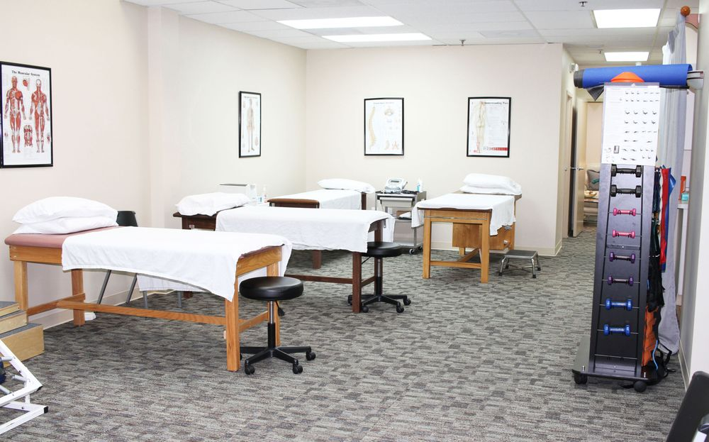 Virginian Physical Therapy And Staffing: 20 Pidgeon Hill Dr, Sterling, VA