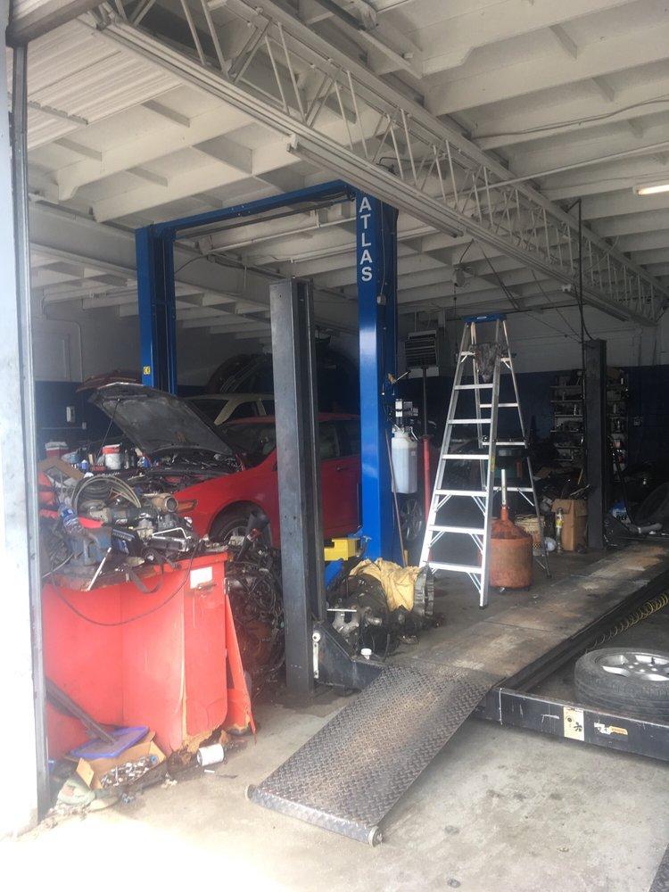 Martinez Garage: 108 N Grace St, Lumberton, NC