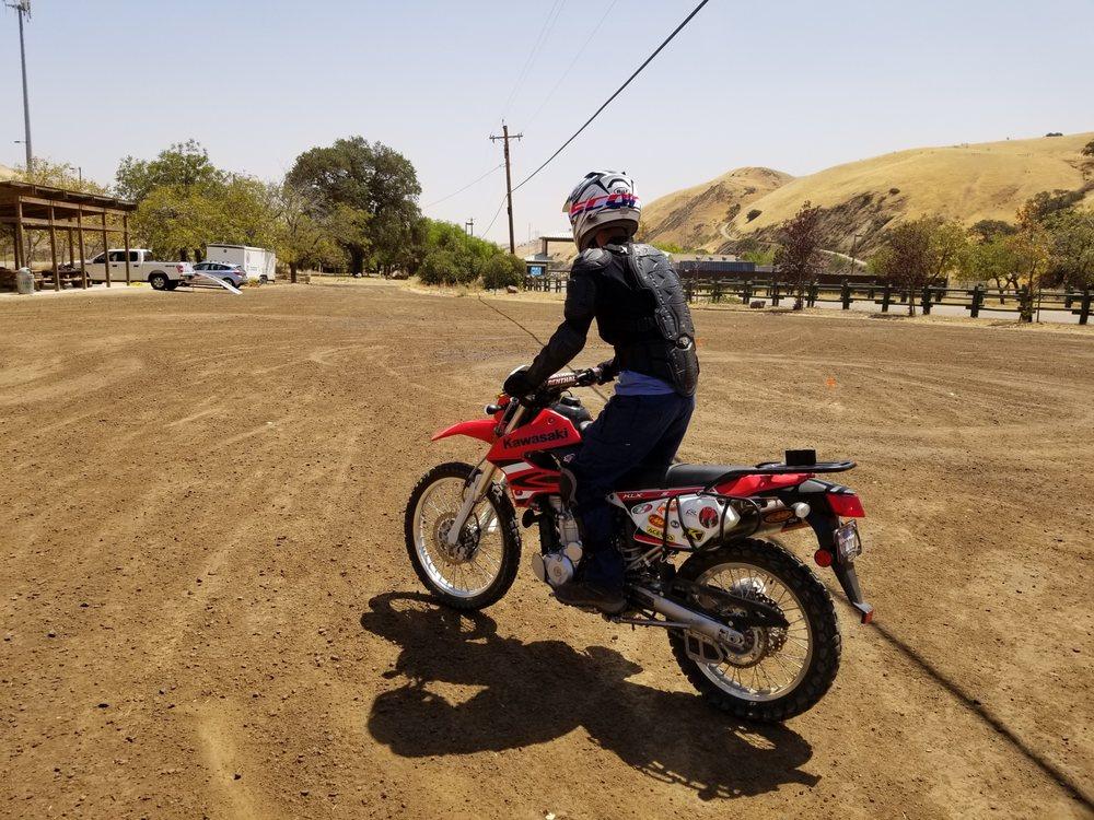 Wandering Kings Adventure Motorcycle School