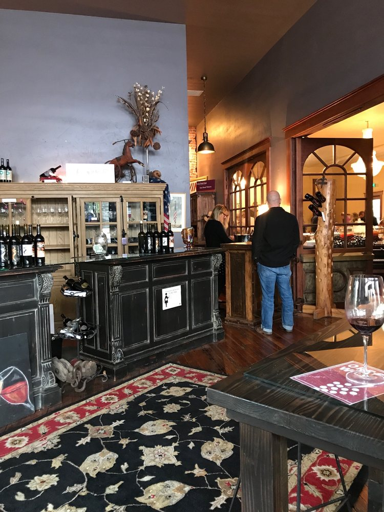 Sno Road Winery: 111 W Main St, Echo, OR
