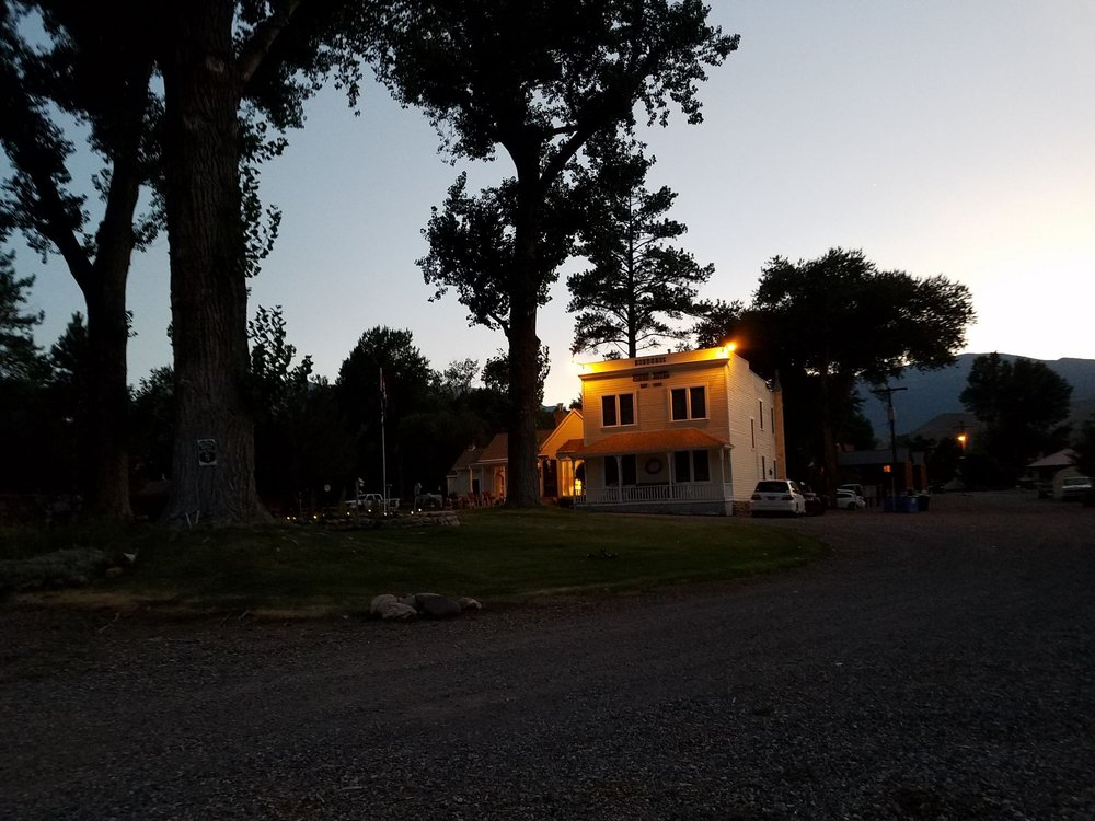 Moore' s Old Pine Inn: 110 S Main, Marysvale, UT