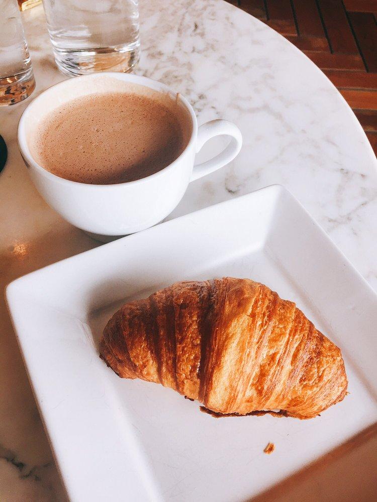 Craverie Chocolatier Cafe: 725 Woodlake Rd, Kohler, WI