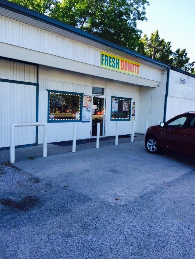 Fresh Donuts: 200 N Home St, Corrigan, TX