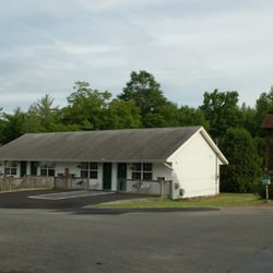 Photo Of Maple Leaf Motel Schroon Lake Ny United States Front Building