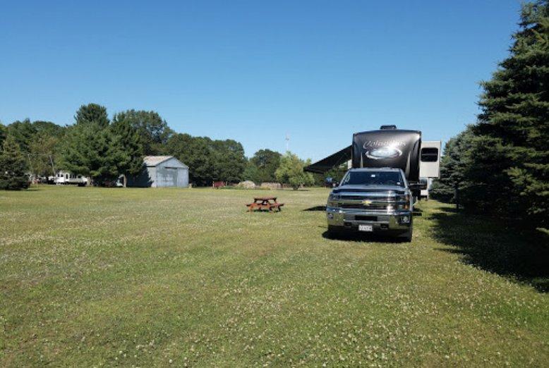 Pine Harbor Campground: 7181 185th St, Chippewa Falls, WI