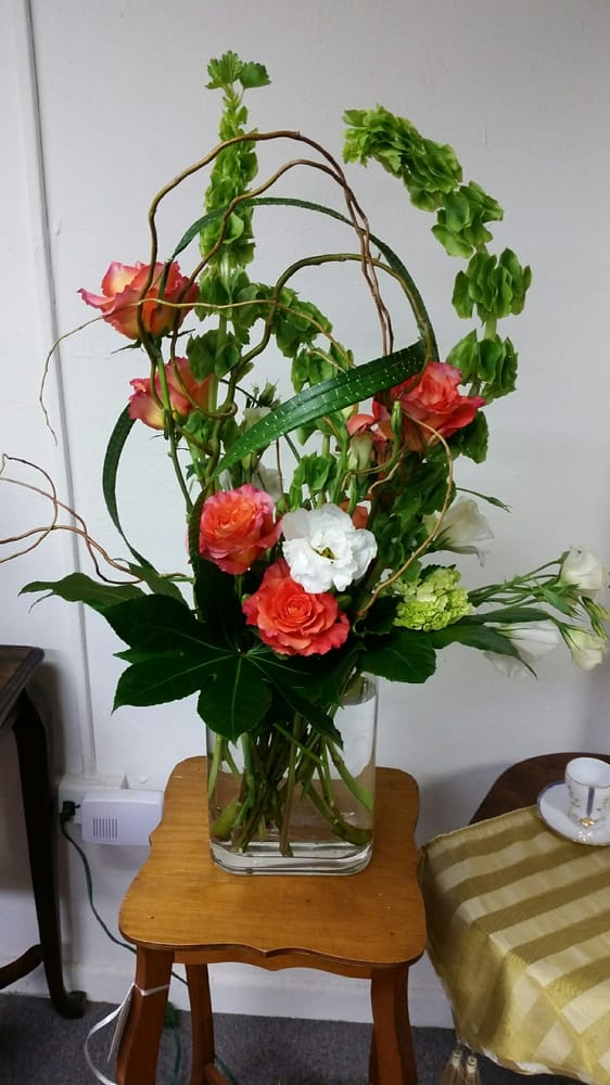 Creative Floral Designs by Helene