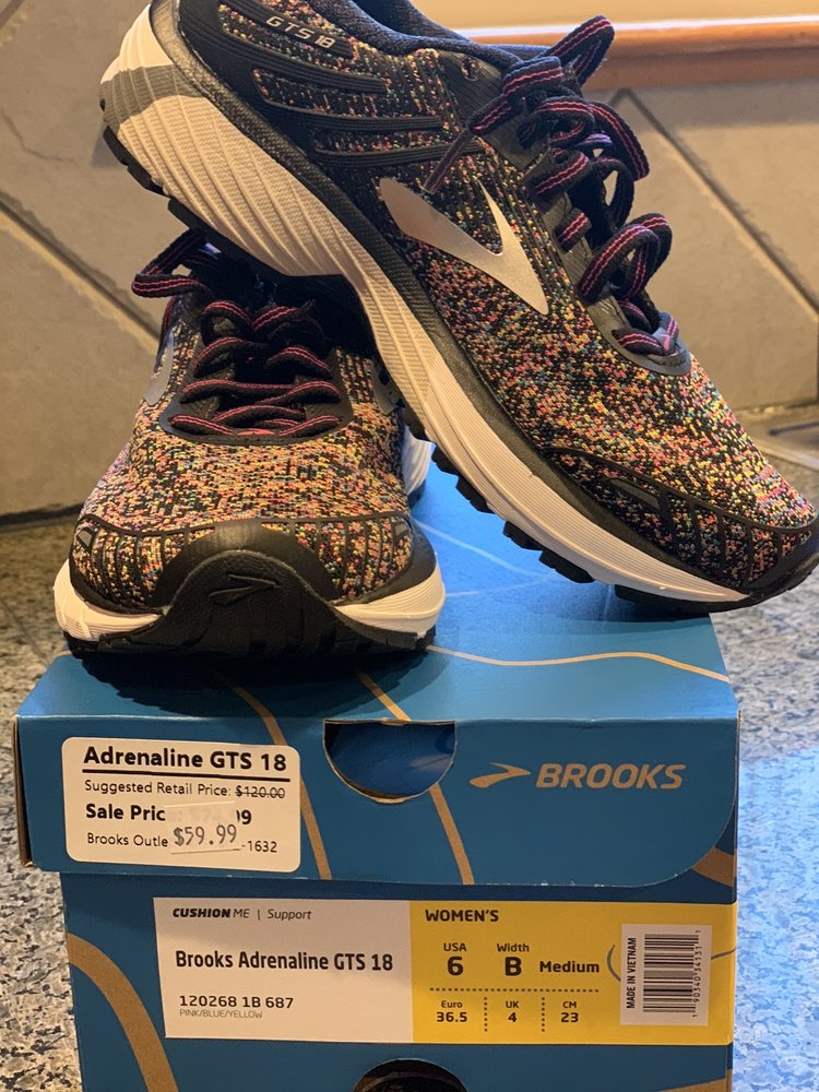 Brooks Outlet: 24110 Bothell-Everett Hwy, Bothell, WA