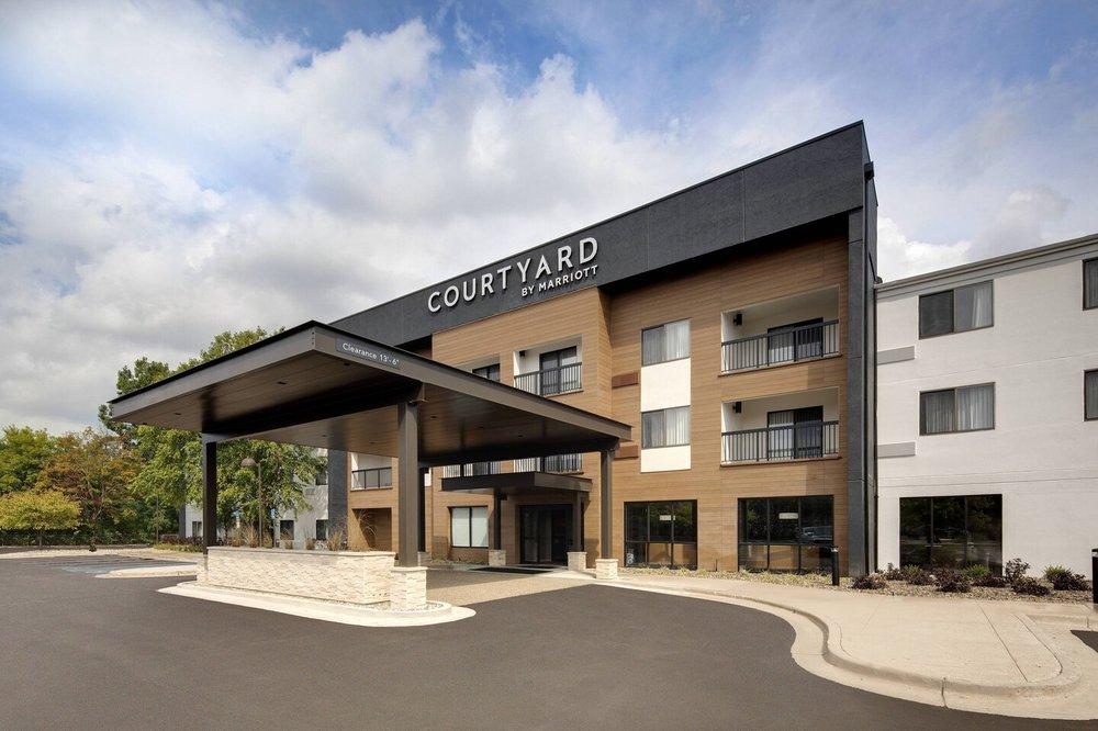 Courtyard by Marriott Grand Rapids Airport: 4741 28th St SE, Grand Rapids, MI
