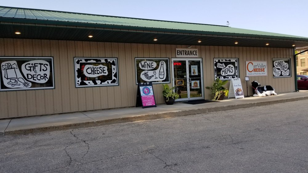 Carr Valley Cheese: 428 Wall St, Mazomanie, WI