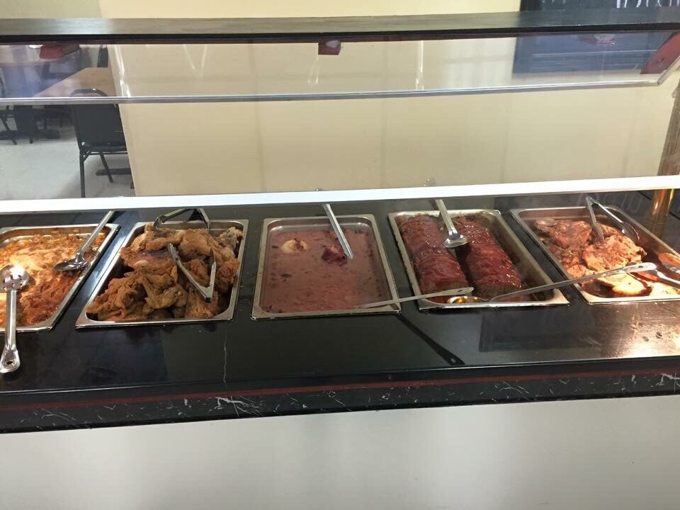 Mom & Dad's Country Cooking Buffet: 844 Hwy 11, Petal, MS