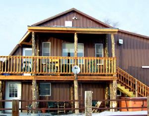 Alcorns' Hunter Haven: 4399 460th Rd, Hay Springs, NE