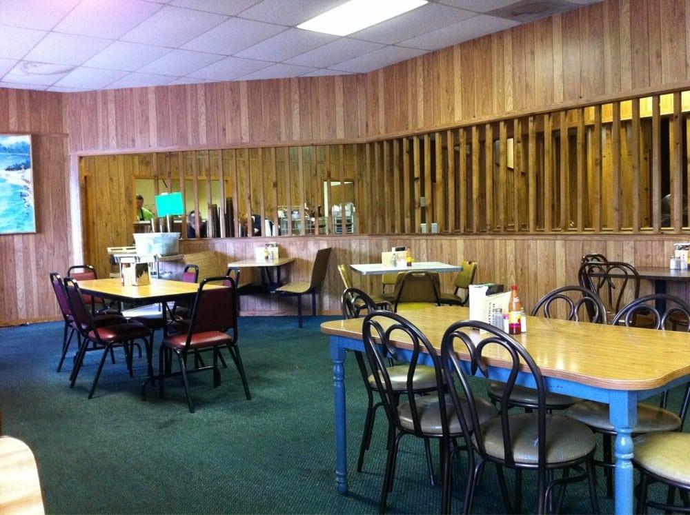 Cotton's Alabama Barbecue: 4485 Kowaliga Rd, Eclectic, AL