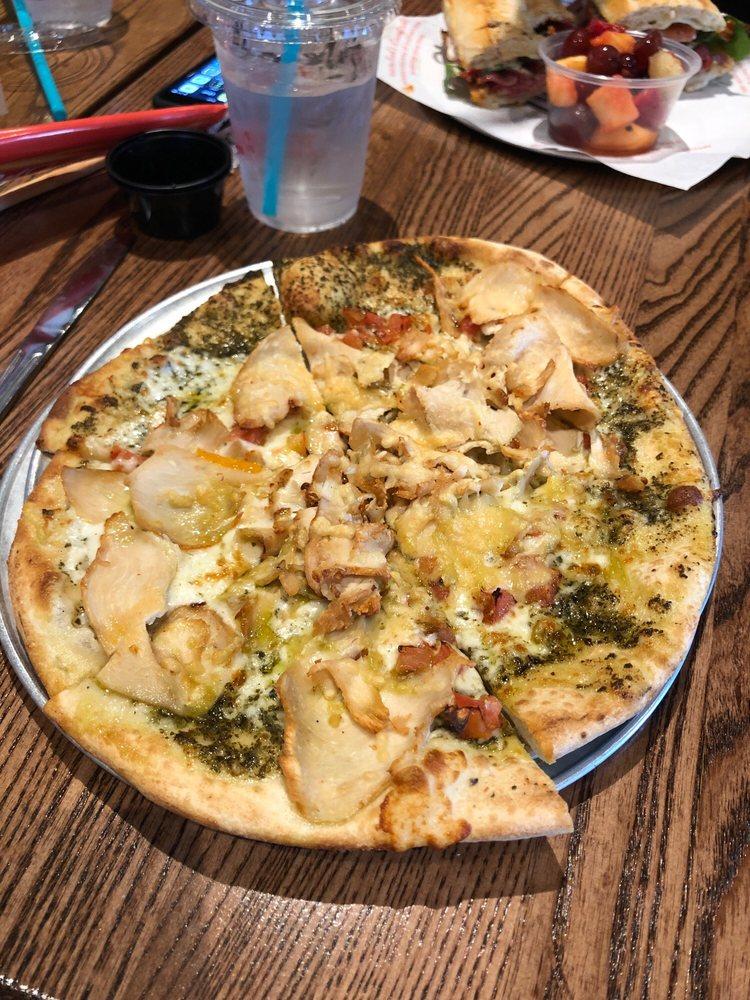 Newk's Eatery: 5582 Sherwood Way, San Angelo, TX