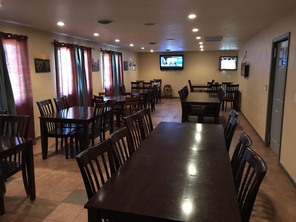 Mountain Bay Bar & Grill: N7724 Mill St, Eland, WI
